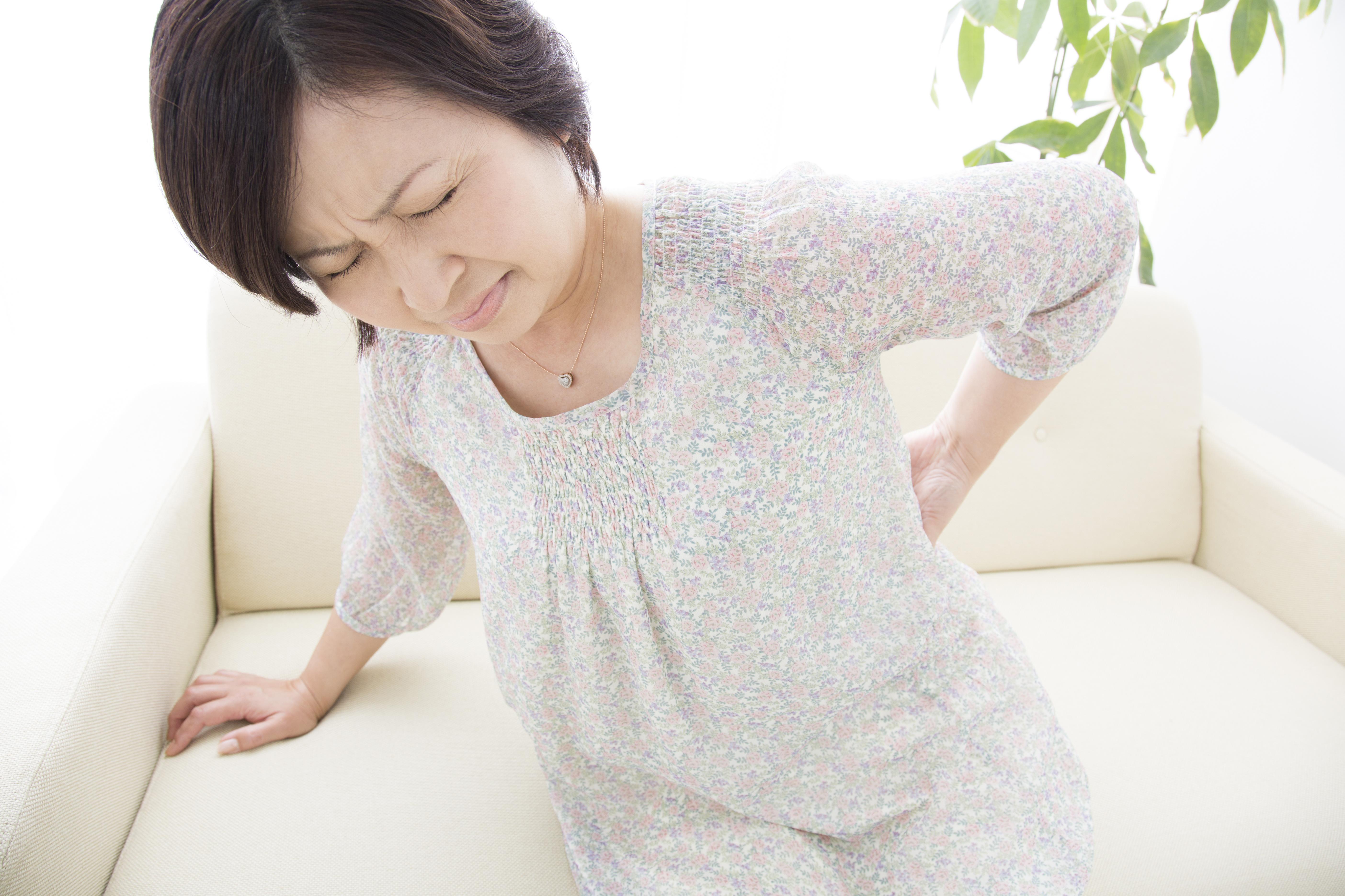 豊川 腰痛 女性