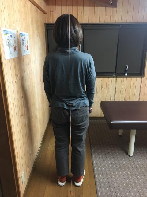 豊川市 女性 背中痛